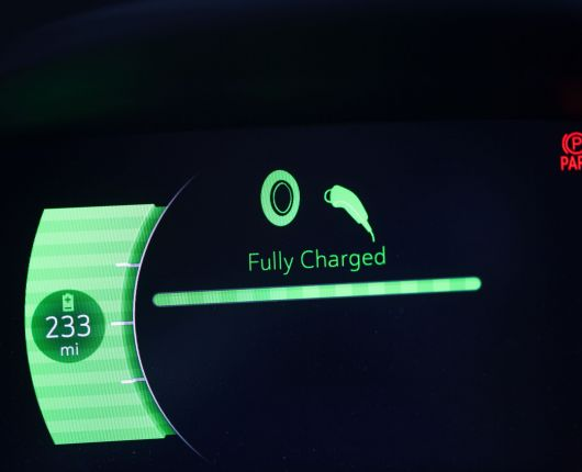 battery-range-fully-charged-electric-car-TUQKSGD